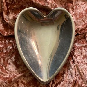 EUC Beautiful Silver Heart Shape Bowl